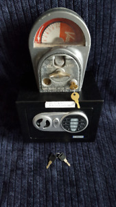 Parking Meter M.H. Rhodes 1940s /Guardwell Mini Safe Coin Bank