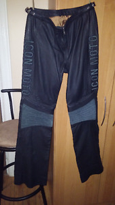 ladies sz 7 ICON leather riding pants