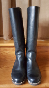 New Black Leather Roots Boots Size 9.5