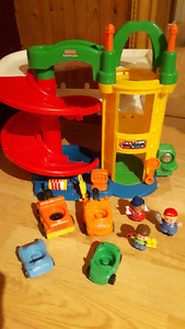 Fisher-Price Little People Racin' Ramps Garage – with 4 vehicles
