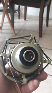MXL 990 Consdensor microphone with shock mount and boom arm