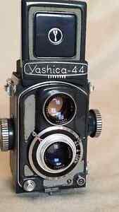 YASHICA 44 VINTAGE TLR