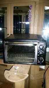 Toaster oven  Gatineau Ottawa / Gatineau Area image 1