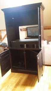 Solid wood TV stand or dressrr 200.00 OBO Peterborough Peterborough Area image 3