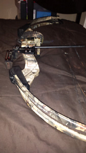 Fred Bear® Buck Fever Compound Bow, Realtree® Custom Hardwoods