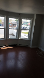 Welland-Large 4 BR apartment for rent