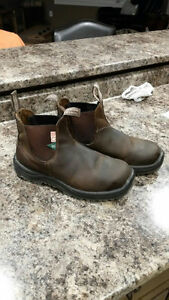 Size US 9 Blundstone boots