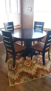 Solid Wood Black Table + 4 Table Chairs and 3 Island Chairs Regina Regina Area image 4