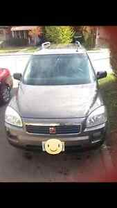 2005 Saturn Relay Minivan, Van