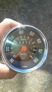 Antique moto ski speedometer (1970) 9/10 mint condition