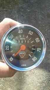 Antique moto ski speedometer (1970) 9/10 mint condition