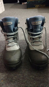 Columbia Mid-length Boots, NEW, Waterproof Size 8.5