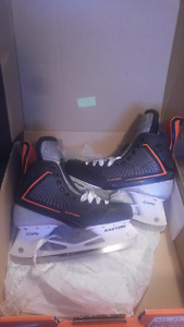 Easton Mako Mens hockey skates size sz 10