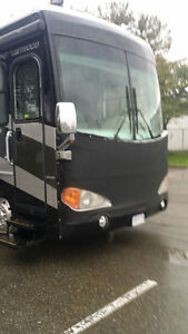 """39"""" Fleetwood Excursion Class A Diesel Pusher Motorhome"""