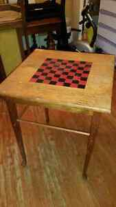 Solid Oak Chess Table Kingston Kingston Area image 1