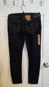 Silver Tuesday mid rise skinny 30/31 tags attached