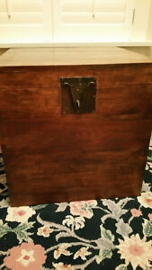 Wood coffee table box - excellent condition