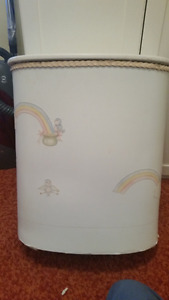 Hamper with birds and rainbows, white