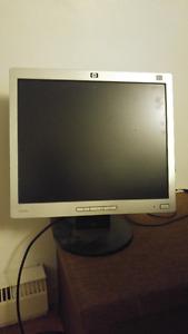 Écran d'ordinateur HP 17 pouces