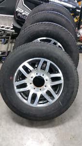 Ford Superduty Lariat 2017 stock rims and tires