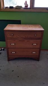Chest of drawers, aka dresser