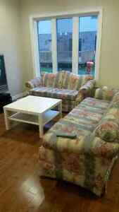 2 piece couch set London Ontario image 2