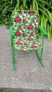 Chaise berçante neuve pliante.pour. enfant.