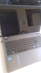 15.6 inch Acer touchscreen laptop