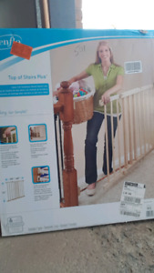 Brand new  babe gate  in box sealed