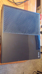 Xbox one for sale, with one controller