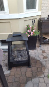 Square metal outdoor gel fireplace