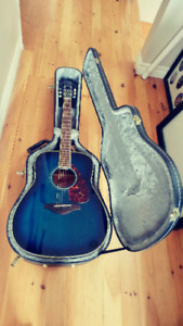 Guitar - JUST LIKE NEW