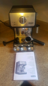 Delonghi coffee maker like new