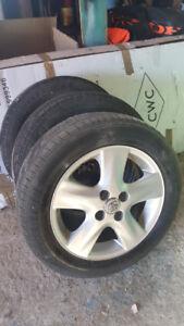 MAG (3) Toyota Yaris - 25$ chacun