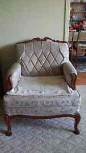 Beautiful 1950's French Provincial Living room set. Peterborough Peterborough Area image 2