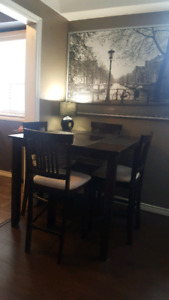 Kitchen Pub Table & Chairs