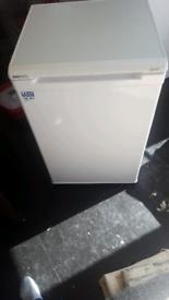 for sale beko glacier fridge freezer 2 weeks old £80ono