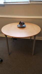 Round Table Ikea with adjustable legs