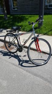 Vélo Trek Multitrack 7200 Alpha