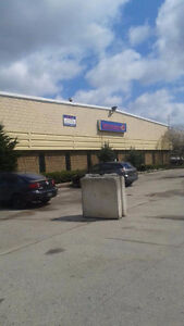 KITCHENER BUILDING AND LARGE YARD FOR LEASE Kitchener / Waterloo Kitchener Area image 1