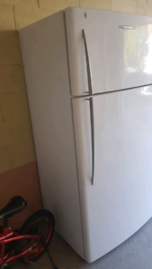 517 L refrigerator with free delivery