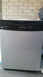 Lave vaisselle Frigidaire  negotiable
