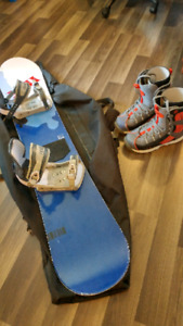 Snowboard 155cm boots sz10.5 bindings bag  Price is negotiable
