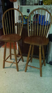 PAIR OF LARGE SOLID OAK BAR/COUNTER STOOLS