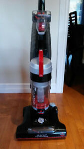 Bissell Vacuum Red/Black Corded