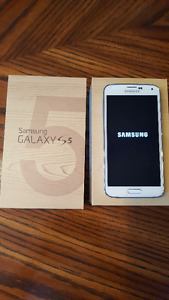 Samsung Galaxy S5 - Excellent Condition (Rogers)