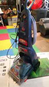 Bissell pro heat vacuum/carpet cleaner! Selling for cheap!!