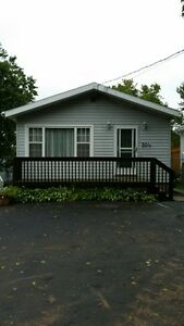 3 Bed. Walking distance to Dart. General and NSCC July 3