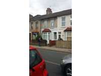 2 BED HOUSE CONVERSION FLAT: FANSHAWE AVE BARKING IG11 8RF (NO DSS TENANT CALLING)