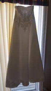 Beautiful Alfred Angelo wedding dress